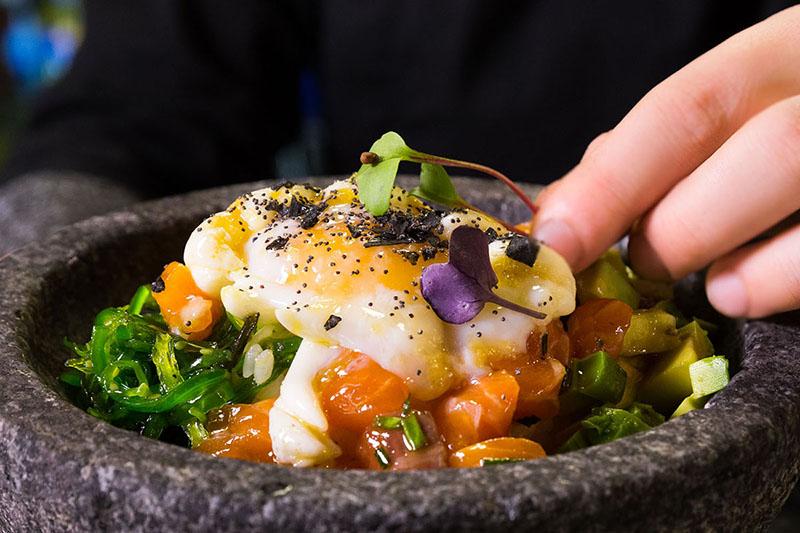 plato con texturas comida ororojocomunicacion